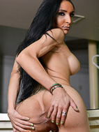 Merilyn. Lascivious Merilyn spreads & masturbates